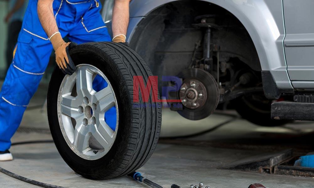 Thay mới lốp làm tăng tuổi thọ và giá trị sử dụng của xe ô tô