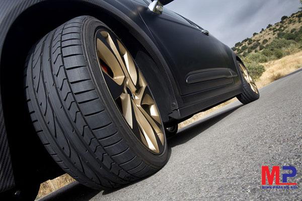 Kiểm tra độ chụm của bánh xe