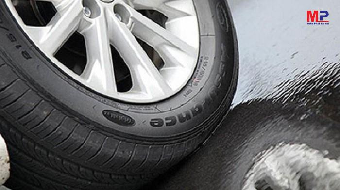 Lốp xe Goodyear phong phú so sánh lốp goodyear với dunlop