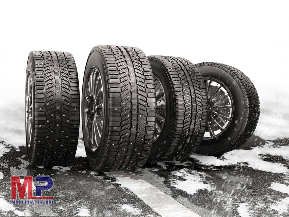 So sánh giá lốp ô tô Goodyear với lốp xe ô tô Michelin
